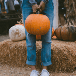 Does a chicken eat pumpkins