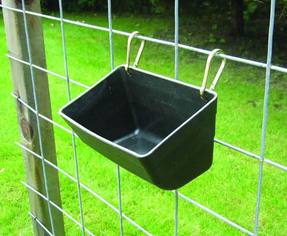 Little Giant Plastic Fence Feeder